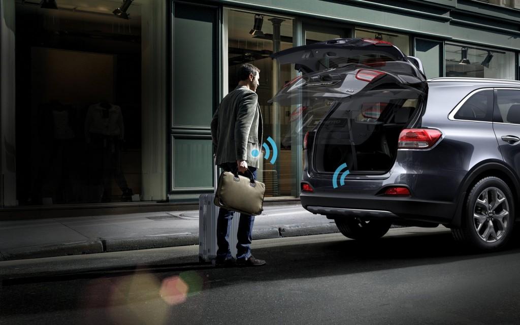 2016 Kia Sorento smart power liftgate